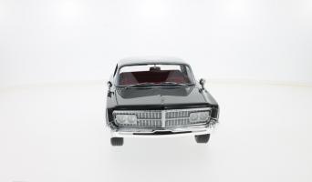 Прикрепленное изображение: 1965 Imperial Crown 4-Door 4.jpg