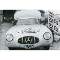 Прикрепленное изображение: mercedes-300sl-le-mans-1952-n20.jpg