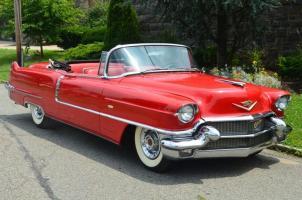 Прикрепленное изображение: Cadillac Serie 62 Cabrio 1956.jpg