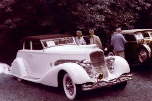 Прикрепленное изображение: Duesenberg SJ544-2570 Bohman & Schwartz Convertible 1936.jpg