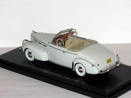 Прикрепленное изображение: La Salle Series 50 Convertible Coupe 1940 003.JPG