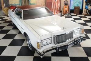Прикрепленное изображение: 015 1976_Mercury_Marquis_6.6_Liter_Motor (45).jpg