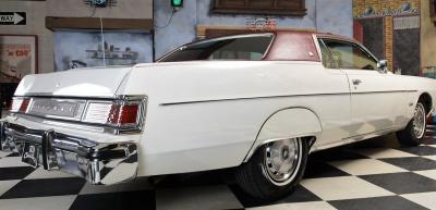 Прикрепленное изображение: 013 1976_Mercury_Marquis_6.6_Liter_Motor (24).jpg
