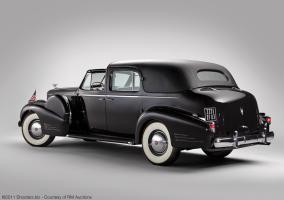 Прикрепленное изображение: Fleetwood_Cadillac_Sixteen_Town_Car_1938_5270310_03.jpg