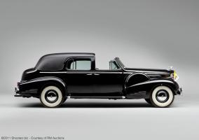 Прикрепленное изображение: Fleetwood_Cadillac_Sixteen_Town_Car_1938_5270310_02.jpg