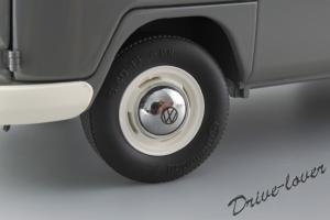 Прикрепленное изображение: Volkswagen T1 Bus Schuco 450037500_14.jpg