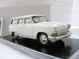 Прикрепленное изображение: ICV 164 ГАЗ М-22, 1962-1965, белая ночь (2).JPG