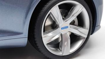 Прикрепленное изображение: volvo-concept-coupe-roues.jpg