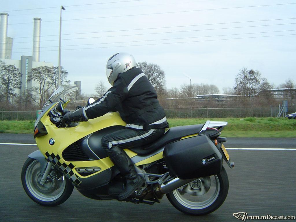 Прикрепленное изображение: BMW_K1200RS.jpg