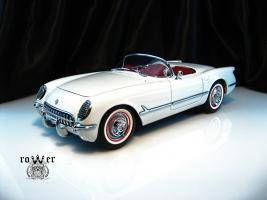 Прикрепленное изображение: CHEVROLET Corvette (1953) 029.jpg