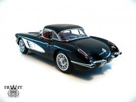 Прикрепленное изображение: CHEVROLET Corvette (1959) 050.jpg