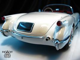 Прикрепленное изображение: CHEVROLET Corvette (1953) 033.jpg