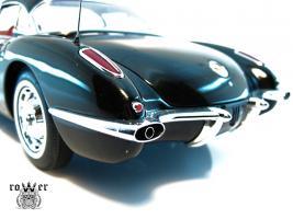 Прикрепленное изображение: CHEVROLET Corvette (1959) 052.jpg