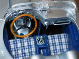 Прикрепленное изображение: Mercedes-Benz 300 SLR CMC M066_08.jpg