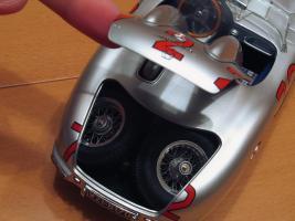 Прикрепленное изображение: Mercedes-Benz 300 SLR CMC M066_18.jpg