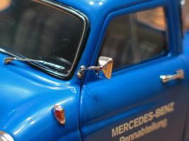Прикрепленное изображение: Mercedes-Benz Car Transporter CMC M036_05.jpg