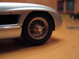 Прикрепленное изображение: Mercedes-Benz 300 SLR CMC M066_14.jpg