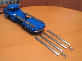 Прикрепленное изображение: Mercedes-Benz Car Transporter CMC M036_50.jpg