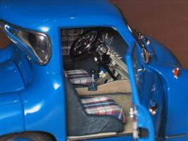 Прикрепленное изображение: Mercedes-Benz Car Transporter CMC M036_11.jpg