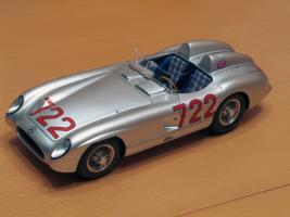Прикрепленное изображение: Mercedes-Benz 300 SLR CMC M066_01.jpg