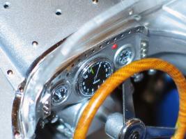 Прикрепленное изображение: Mercedes-Benz 300 SLR CMC M066_09.jpg