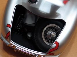 Прикрепленное изображение: Mercedes-Benz 300 SLR CMC M066_23.jpg