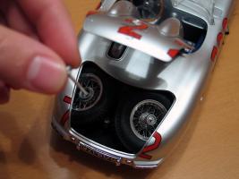 Прикрепленное изображение: Mercedes-Benz 300 SLR CMC M066_20.jpg