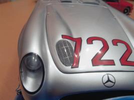 Прикрепленное изображение: Mercedes-Benz 300 SLR CMC M066_07.jpg