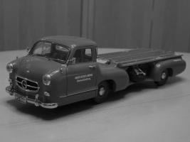 Прикрепленное изображение: Mercedes-Benz Car Transporter CMC M036_01.jpg