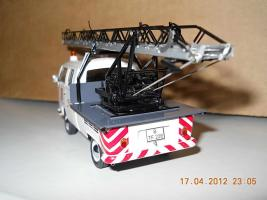 Прикрепленное изображение: Colobox_VW_T2a_Doppelkabine_Drehleiter_Schuco~03.jpg