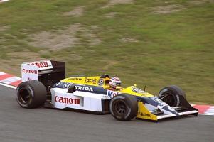 Прикрепленное изображение: 1987_Williams_FW11B_Honda_Piquet_Suzuka.jpg