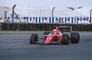 Прикрепленное изображение: 1989-Silverstone-F1 89-640-Mansell-2.jpg