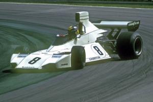 Прикрепленное изображение: Carlos-Pace-Brabham-BT44-Ford-1974.jpg