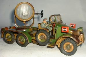 Прикрепленное изображение: 1935 Hausser  Krupp Scheinwerferwagen.JPG