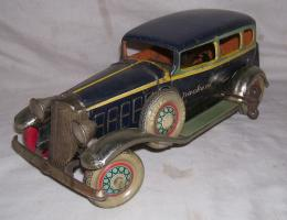 Прикрепленное изображение: TIN PLATE TOY CAR PACKARD KOSUGE CIRCA1932 MADE IN JAPAN.JPG
