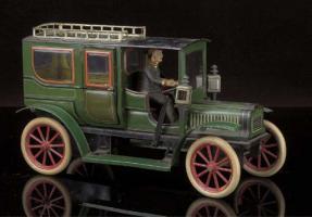 Прикрепленное изображение: A Carette clockwork 3 four-light Limousine.jpg