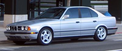 Прикрепленное изображение: BMW_M5_E34_front.jpg