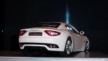 Прикрепленное изображение: Maserati Gran Turismo White Mondo Motors (9).JPG