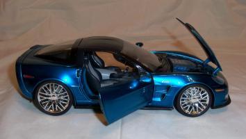 Прикрепленное изображение: Jada Chevrolet Corvette ZR1 2009 Blue (17).JPG