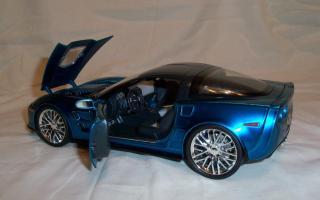 Прикрепленное изображение: Jada Chevrolet Corvette ZR1 2009 Blue (19).JPG