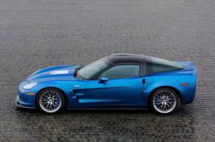 Прикрепленное изображение: Jada Chevrolet Corvette ZR1 2009 Blue (22).jpg