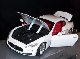 Прикрепленное изображение: Maserati Gran Turismo White Mondo Motors (11).JPG