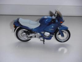 Прикрепленное изображение: BMW R 1100 RS Minichamps_.jpg