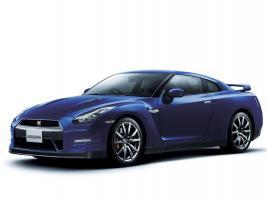 Прикрепленное изображение: 2012-Nissan-GT-R-Front-Side-View.jpg