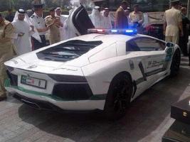 Прикрепленное изображение: Lamborghini-Aventador-Dubai-Police-car-2.jpg