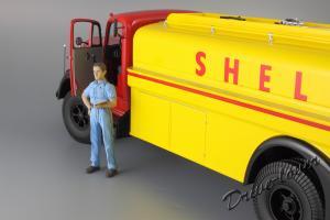Прикрепленное изображение: Mercedes-Benz L 6600 Tankwagen Shell Minichamps 109031071_27.JPG
