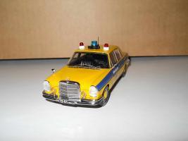 Прикрепленное изображение: Colobox_Mercedes-Benz_280SE_W108_Милиция~01.JPG