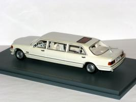 Прикрепленное изображение: Mercedes W126 Stretch Limousine 003.JPG
