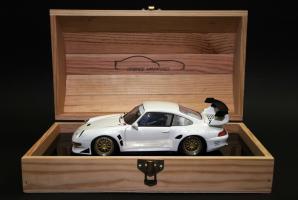 Прикрепленное изображение: Porsche 911 GT2 Evo \'99.jpg