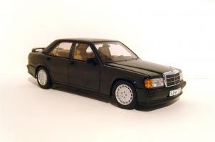 Прикрепленное изображение: 1984_Mercedes_190_E_2.3_Limousine__W_201__1B.jpg